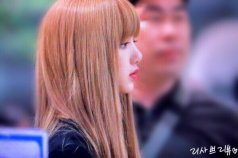 BLACKPINK Lisa Airport Photo 23 August 2018 Gimpo 3