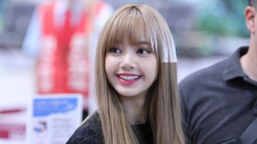 BLACKPINK Lisa Airport Photo 23 August 2018 Gimpo 4