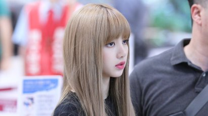 BLACKPINK Lisa Airport Photo 23 August 2018 Gimpo 6