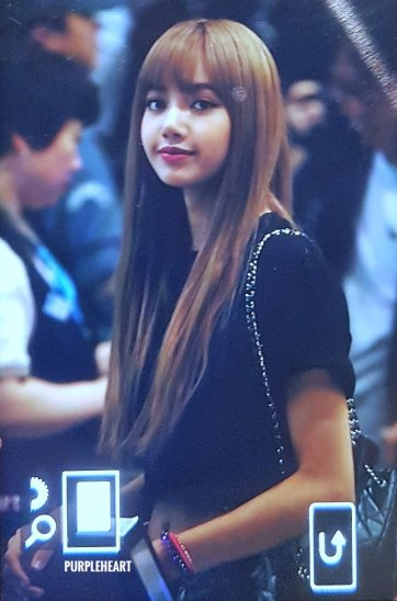 BLACKPINK Lisa Airport Photo 23 August 2018 Gimpo 9
