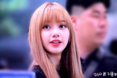 BLACKPINK Lisa Airport Photo 23 August 2018 Gimpo
