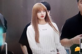 BLACKPINK Lisa Airport Photo 8 August 2018 Incheon to Jakarta Indonesia 25