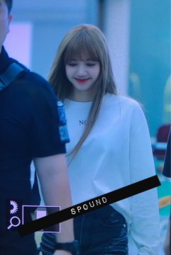 BLACKPINK Lisa Airport Photo 8 August 2018 Incheon to Jakarta Indonesia 7