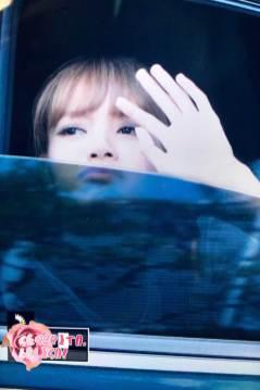 BLACKPINK-Lisa-Car-Photos-MBC-Music-Core-4-August-2018-5
