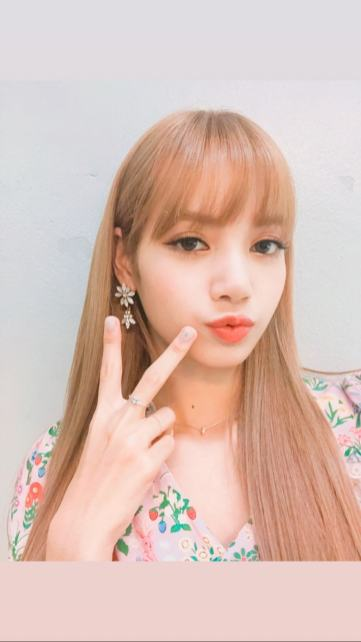 BLACKPINK Lisa Instagram Story 13 August 2018 lalalalisa m