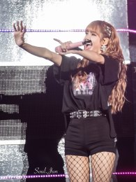 BLACKPINK-Lisa--Japan-Arena-Tour-24-August-2018-Chiba