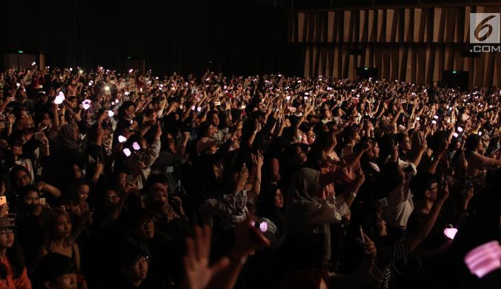 BLACKPINK Lisa Meet and Greet Indonesia stage 6