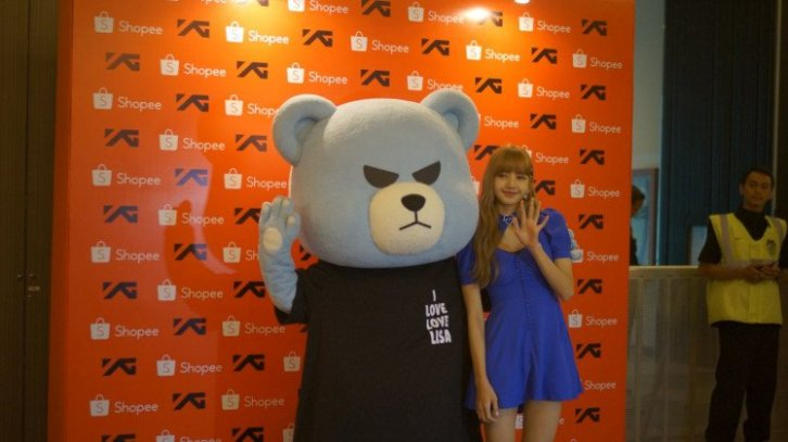 BLACKPINK Lisa meet and greet Jakarta Indonesia krunk 8