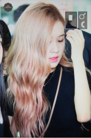 BLACKPINK-Rose-Airport-Photo-18-August-2018-Incheon-23