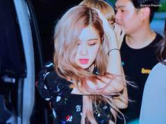 BLACKPINK-Rose-Airport-Photo-23-August-2018-Gimpo