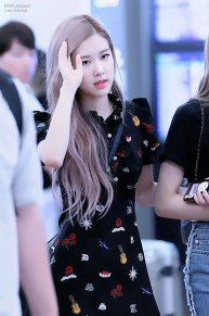 BLACKPINK-Rose--Airport-Photo-23-August-2018-Haneda