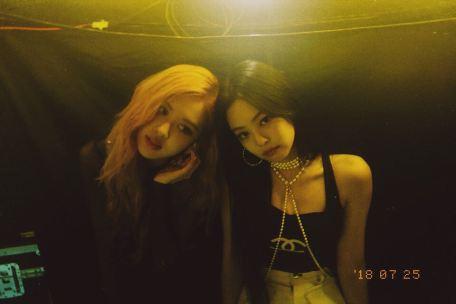 BLACKPINK Rose Instagram Photo with Jennie Chaennie