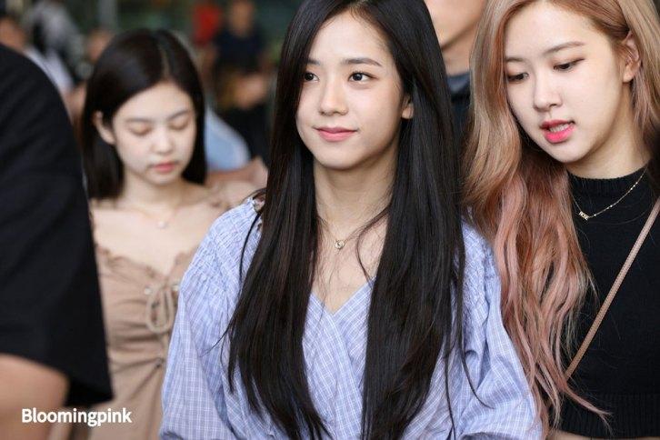 BLACKPINK-Rose-Jisoo-Chaesoo-Airport-Photo-18-August-2018-Incheon