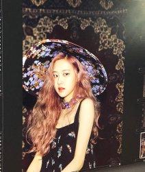 BLACKPINK Rose behind the scenes Dazed Korea Magazine 2