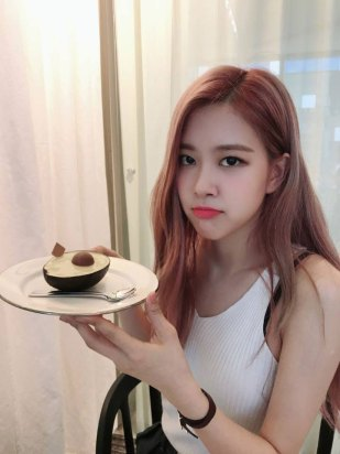 BLACKPINK-Rose-tvn-wednesday-food-talk-3