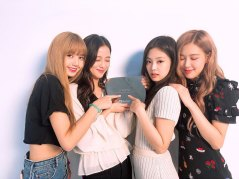 BLACKPINK-YouTube-Diamond-Play-Button-award-2