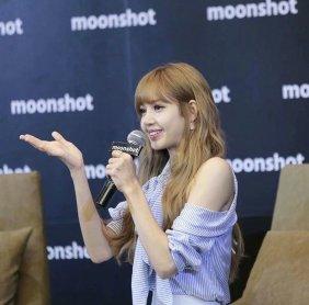 Day 1 BLACKPINK Lisa moonshot fansign event Bangkok Thailand 148