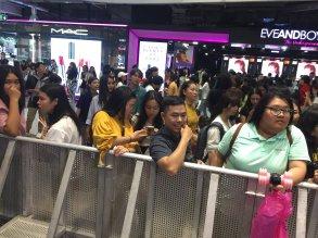 Day 1 BLACKPINK Lisa moonshot fansign event Bangkok Thailand 180