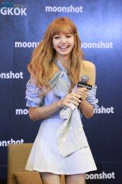 Day 1 BLACKPINK Lisa moonshot fansign event Bangkok Thailand 34