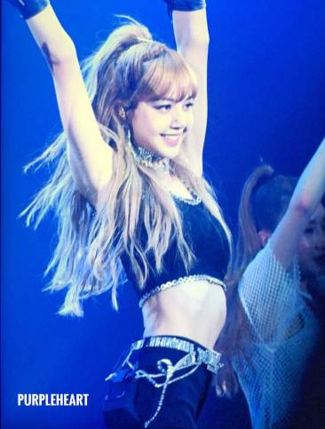 Lisa-BLACKPINK-Japan-Arena-Tour-2018-Day-3-Fukuoka-7