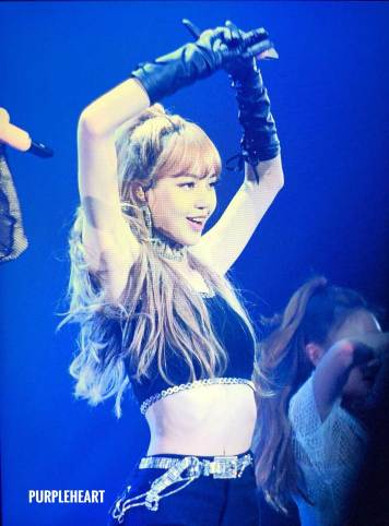 Lisa-BLACKPINK-Japan-Arena-Tour-2018-Day-3-Fukuoka-8