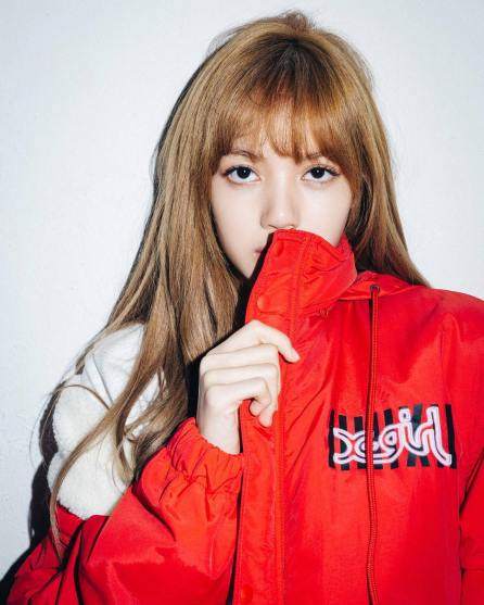 1-BLACKPINK Lisa X-girl Japan Nonagon Collaboration