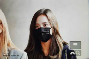 10-BLACKPINK-Jisoo-Airport-Photo-Incheon-Seoul-From-New-York