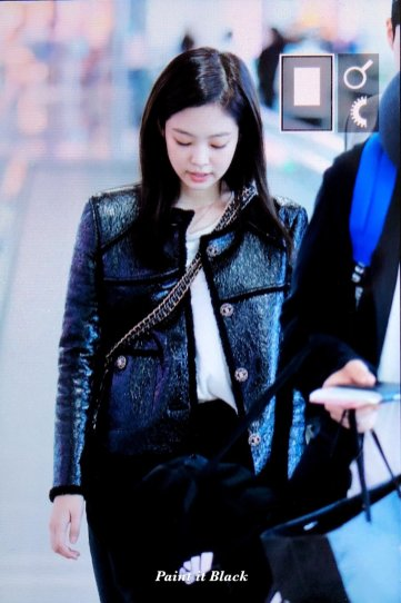 102-BLACKPINK Jennie Airport Photos Incheon to Paris Fashion Week