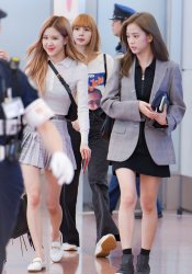 11-BLACKPINK Airport Photo 17 September 2018 Haneda Japan