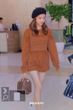 11-BLACKPINK-Jisoo-Airport-Photo-Gimpo-19-September-2018-hat
