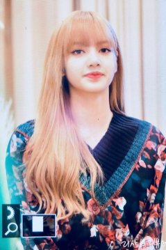 11-BLACKPINK-Lisa-Moonshot-Yoo-In-Na-Product-Launch-Event-Myeongdong