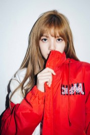 11-BLACKPINK Lisa X-girl Japan Nonagon Collaboration