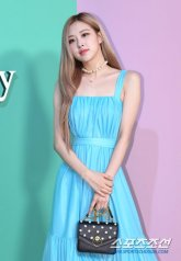 12-BLACKPINK-Rose-Mulberry-Event-Seoul-6-September-2018