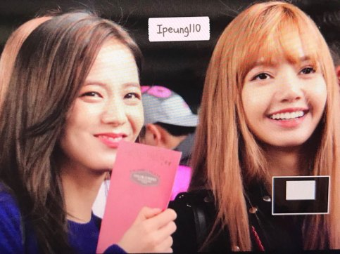 13-BLACKPINK-Jisoo-JFK-Airport-Photo-New-York-City