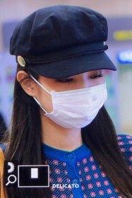 14-BLACKPINK-Jennie-Airport-Photo-Gimpo-19-September-2018-hat