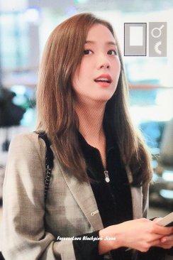 14-BLACKPINK Jisoo Airport Photo 17 September 2018 Gimpo to Japan