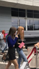 14-BLACKPINK Jisoo Rose Lisa JFK Airport Photo New York City