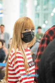 17-BLACKPINK Lisa Airport Photo Incheon Seoul From New York