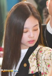 19-BLACKPINK Jennie Airport Photo 17 September 2018 Gimpo to Japan