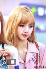2-BLACKPINK-Lisa-Airport-Photo-31-August-2018-Gimpo