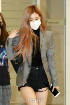 2-BLACKPINK-Rose-Airport-Photo-Incheon-Seoul-From-New-York