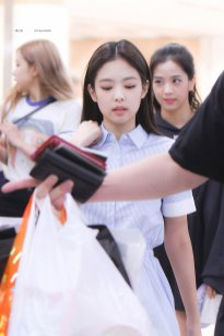 2. BLACKPINK Jennie Airport Photo 31 August 2018 Gimpo