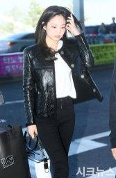20-BLACKPINK-Jennie-Airport-Photos-Incheon-to-France-Paris-Fashion-Week