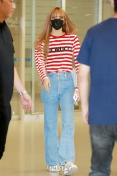 20-BLACKPINK Lisa Airport Photo Incheon Seoul From New York