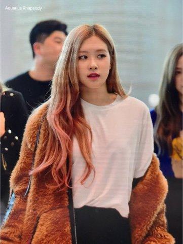 20-BLACKPINK Rose Airport Photo Incheon New York Fashion Week