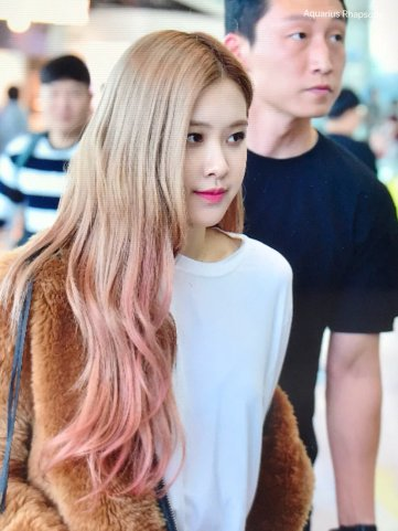 21-BLACKPINK Rose Airport Photo Incheon New York Fashion Week