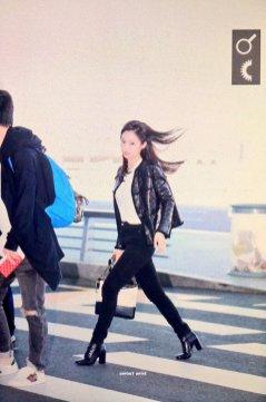 22-BLACKPINK Jennie Airport Photos Incheon to Paris Fashion Week
