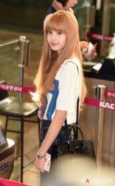 22-BLACKPINK Lisa Airport Photo 17 September 2018 Gimpo to Japan