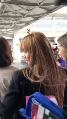22-BLACKPINK-Lisa-JFK-Airport-Photo-New-York-City