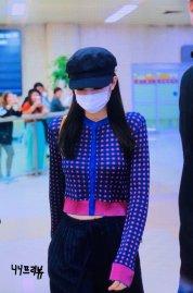 23-BLACKPINK-Jennie-Airport-Photo-Gimpo-19-September-2018-hat